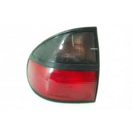 RENAULT LAGUNA 1 n°63 Feux arrière gauche conducteur