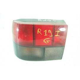 RENAULT 19 phase 1 n°77 Feux arrière gauche conducteur