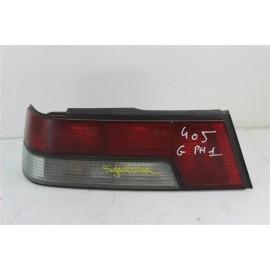 PEUGEOT 405 PHASE 1 n°109 Feux arrière gauche conducteur