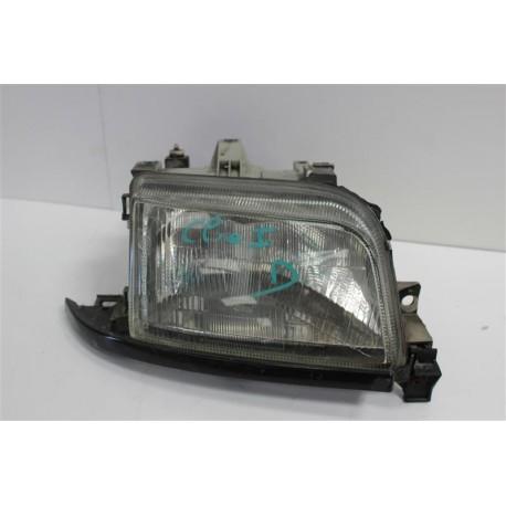 RENAULT CLIO n°28 optique de phare avant droit