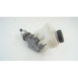 RENAULT Twingo II 1.2 i n°3 Maître-cylindre de frein