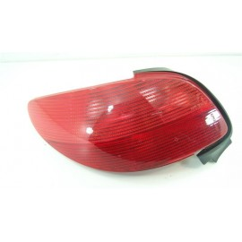 PEUGEOT 206 n°138 Feux arrière gauche conducteur