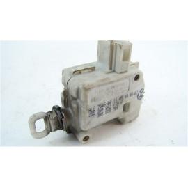 AUDI A6 BREAK an99 n°8 Mécanisme de verrouillage électrique de coffre