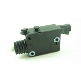 OPEL CORSA B 1.4 i 60cv année 1997 n°45 Mécanisme de verrouillage électrique de coffre 90460062