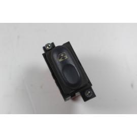 RENAULT ESPACE 3 7700875682 n°66 Interrupteur lève vitres avant droit passager