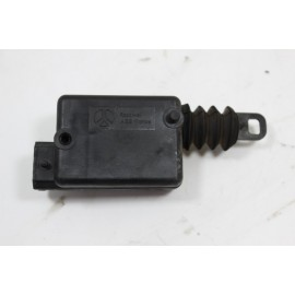 RENAULT MEGANE SCENIC 1.6i n°51 mécanisme électrique de fermeture AVD