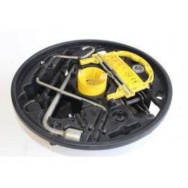 RENAULT CLIO 2 année 2001 n°4 kit cric roue de secours