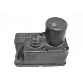 AUDI 80 443862257B N°4 Pompe de fermeture centralisation d'occasion