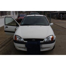 FORD FIESTA 4 PHASE 2 essence année 11/2000