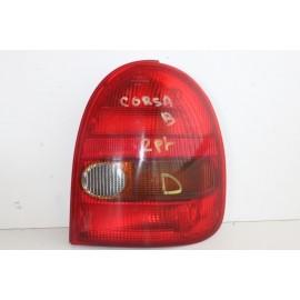 OPEL CORSA B 2 portes n°70 Feux arrière droit passager