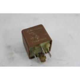 RENAULT MEGANE 1 phase 1.9d n°28 relais divers 7700810929