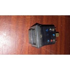 interrupteur bouton commande bascule feux de stationnement monté sur Ami 6