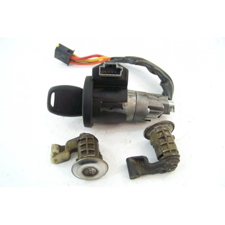 Renault Clio 2 Phase 2 1.5L DCI n°32 Kit serrures d'occasion