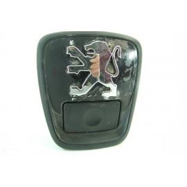 PEUGEOT 306 2 n°23 poignée bouton d'ouverture de coffre d'occasion