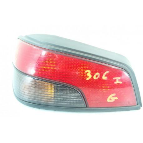PEUGEOT 306 coffre n°10 Feux arrière gauche conducteur