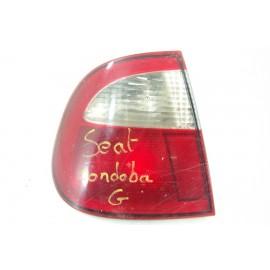 SEAT CORDOBA n°30 Feux arrière gauche conducteur