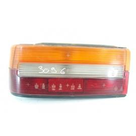 PEUGEOT 309 n°52 Feux arrière gauche conducteur
